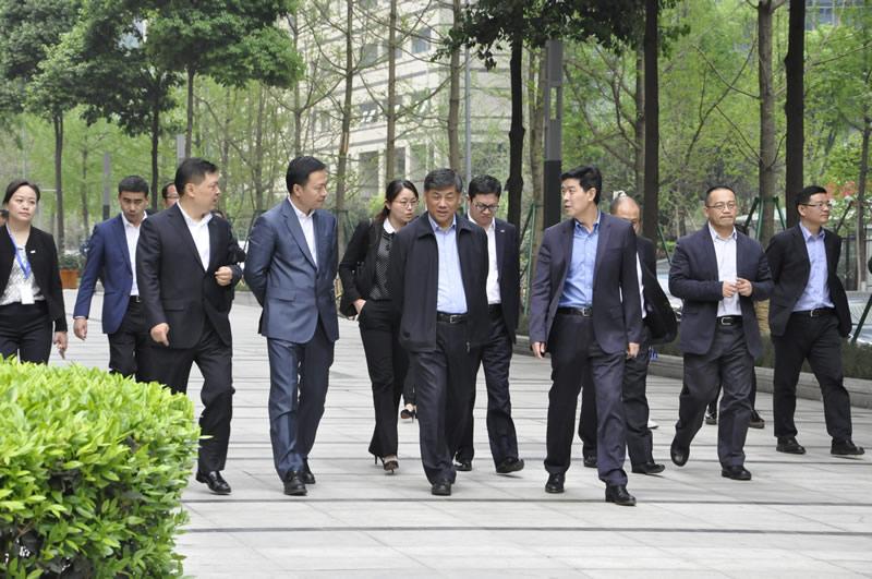 20170410集团公司董事长刘大山一行调研成都国际科技节能大厦