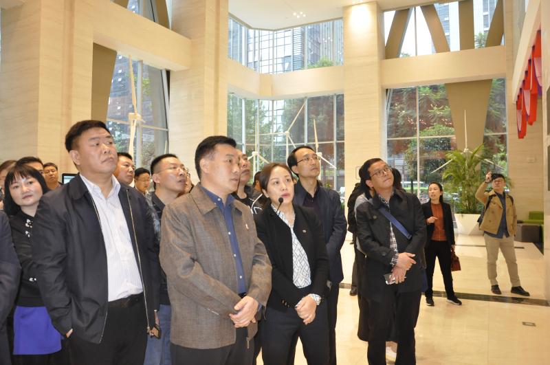 河南省焦作山阳区人民政府党组书记李建超赴成都节能大厦参观